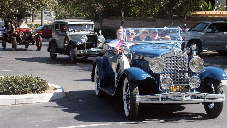 Hupmobiles arrive at Civic Center-Park